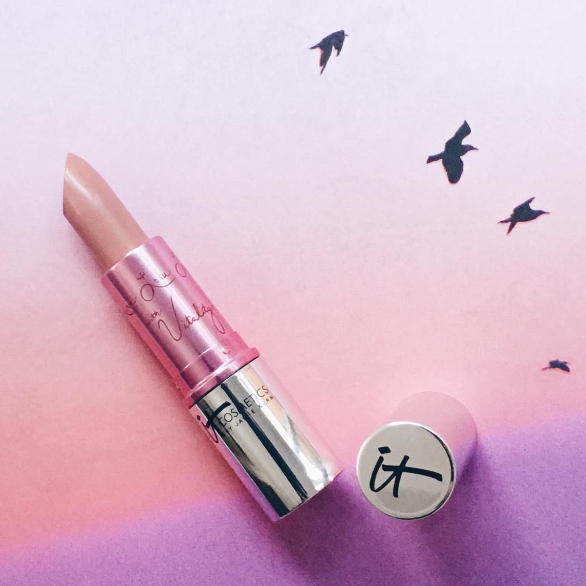 Marisa Robinson Makeup Artist iT Cosmetics Lipstick