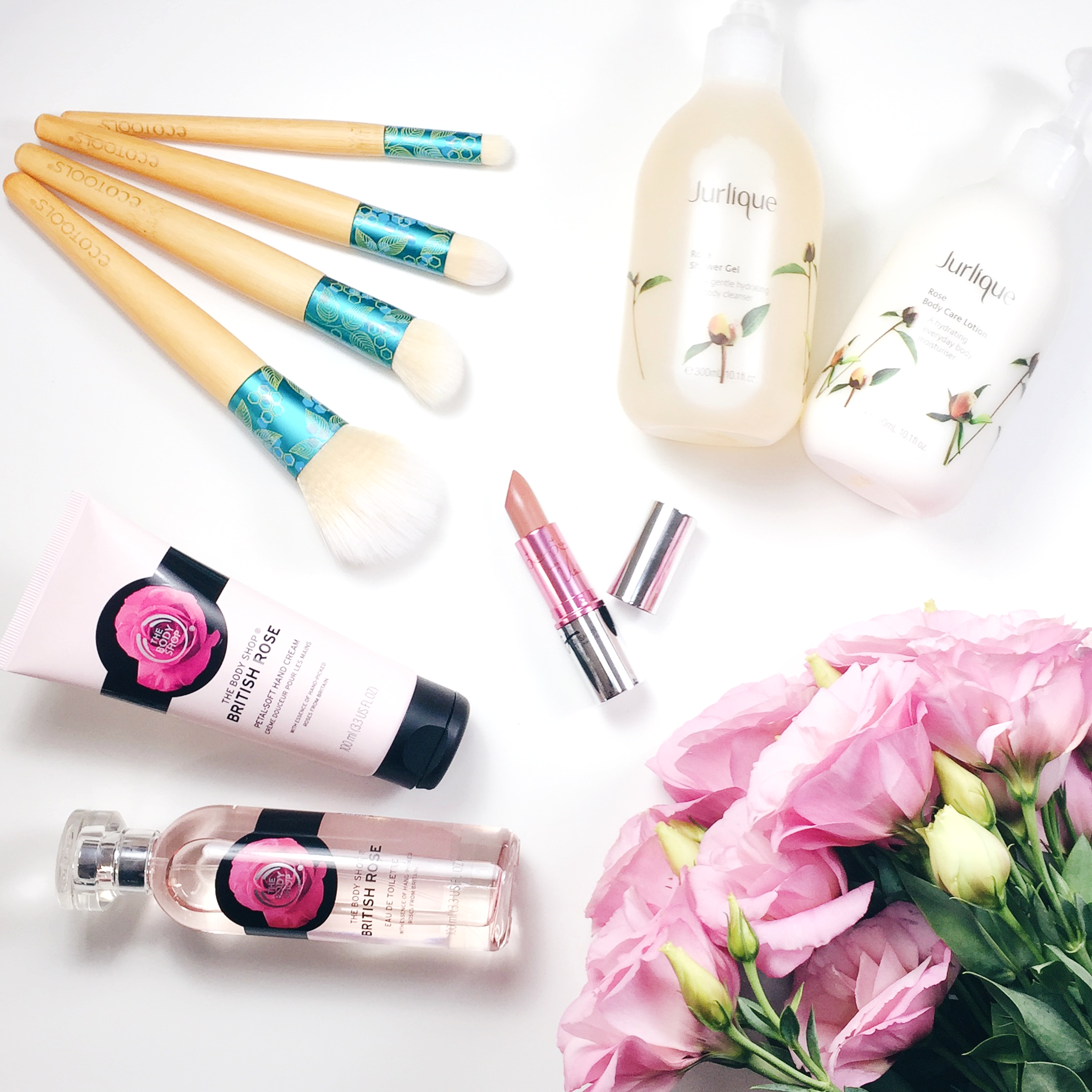Marisa Robinson Makeup Artist Mothers Day Gift Guide