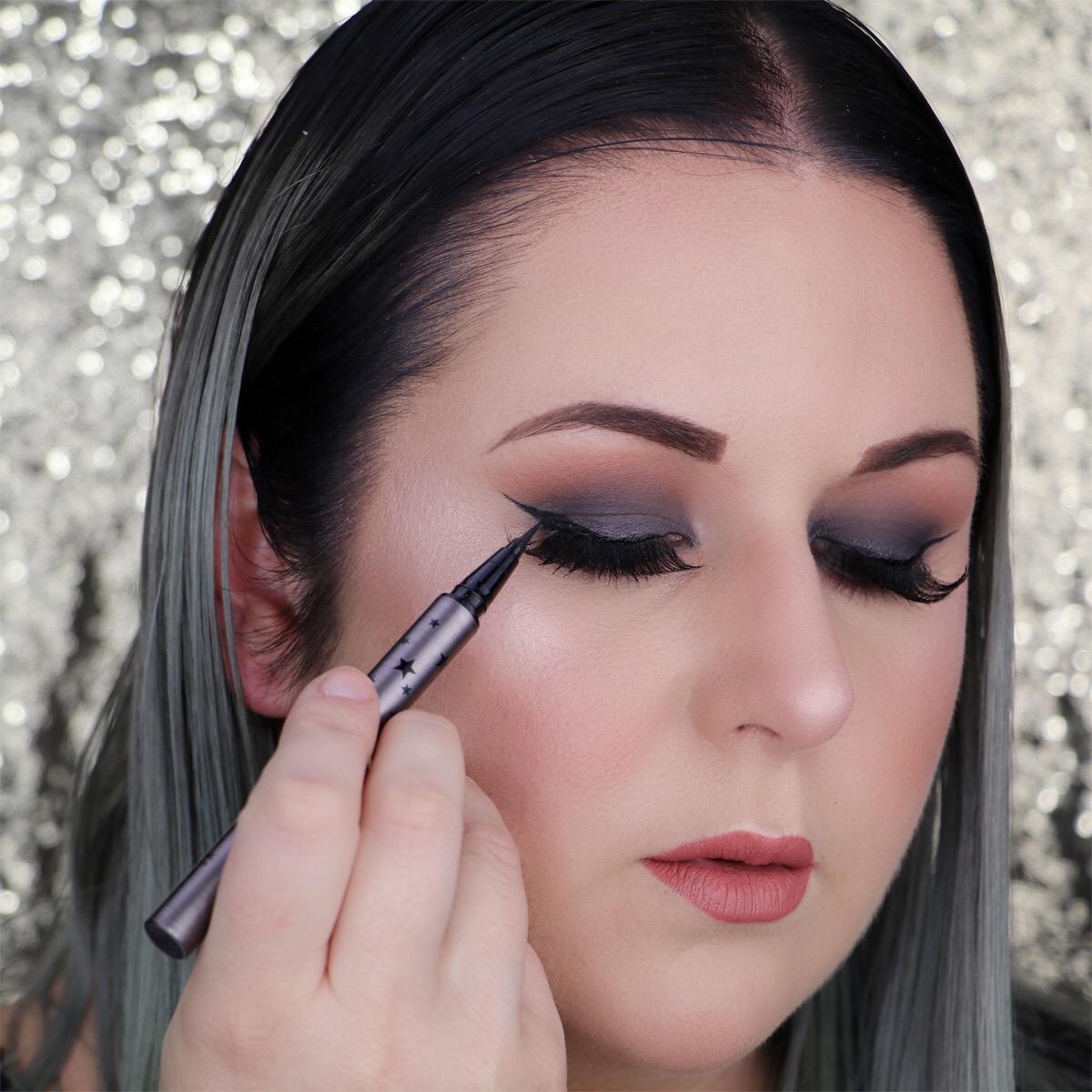 Marisa Robinson Makeup Artist Get The Look Smokey Eye Holiday Makeup Look