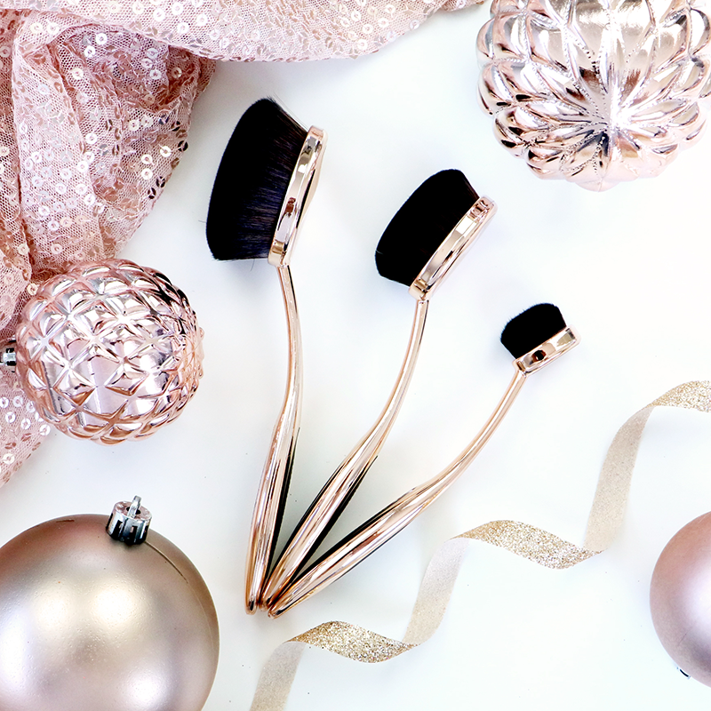 Nude By Nature Oval Brush Set - Cruelty Free Gift Guide