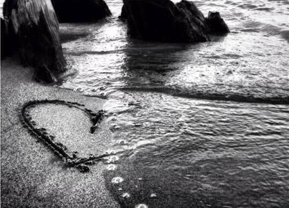 heart in sand b&w