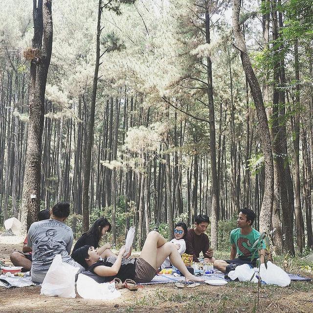 Piknik Gunung Pancar