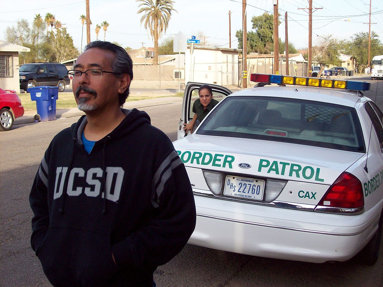 EDT's Ricardo Dominguez and border patrol agent Calexico, CA. (2009)
