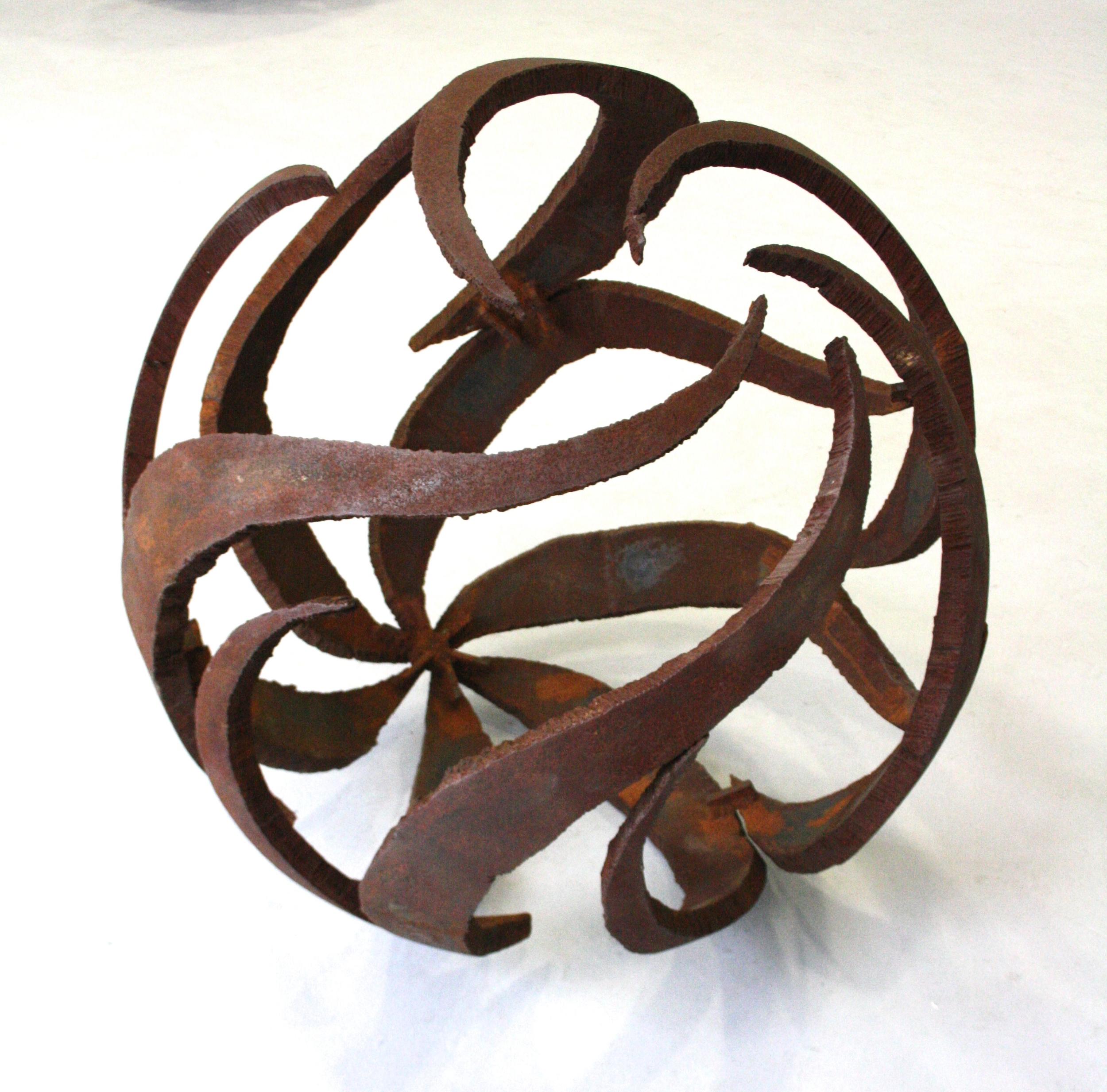 Čestmír Suška, Plameny, 2006, průměr 95 cm, ocel