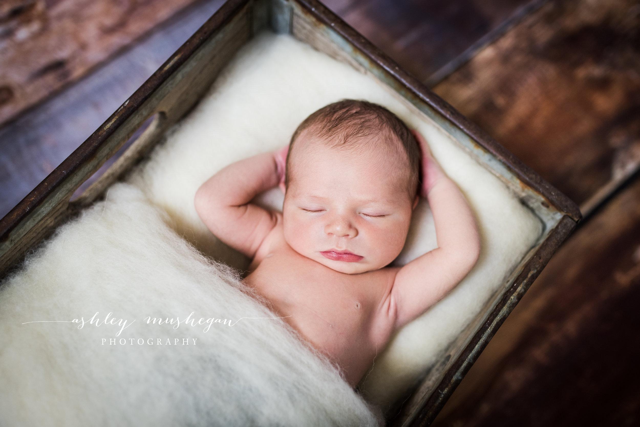 McKeehan Newborn FB-6.jpg