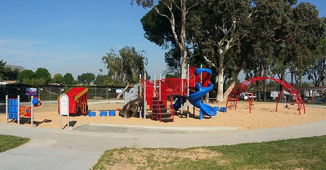 Almost 300 volunteers built this beautiful playground at Veterans Memorial Park this past Saturday. Thank you to #jarpd4fun, @kaboom and our primary funding partner Travelers Insurance.