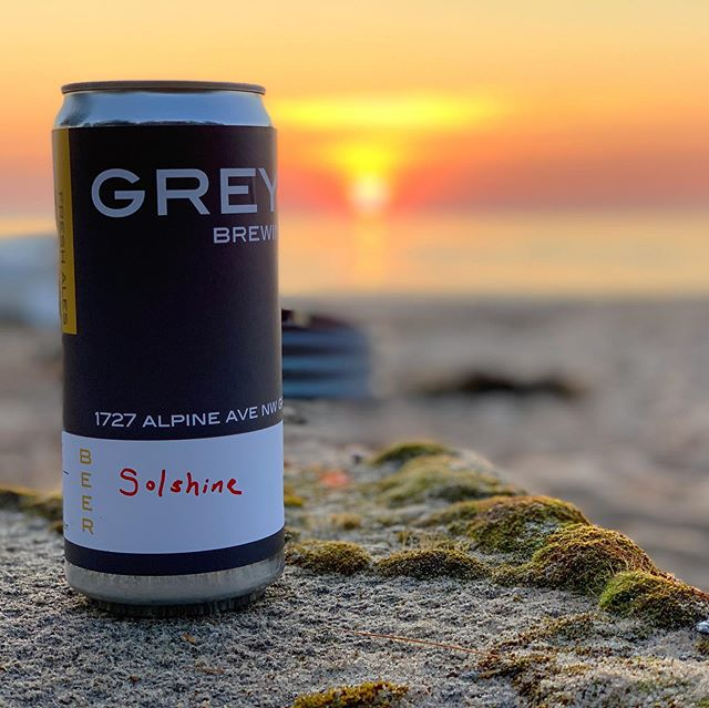 Happy Autumn Equinox! Make sure if you ever get to #lakehuron you take the time to watch the sunrise and the moonrise, there's nothing quite like it. 🍂🌝🌞🌅 🍺