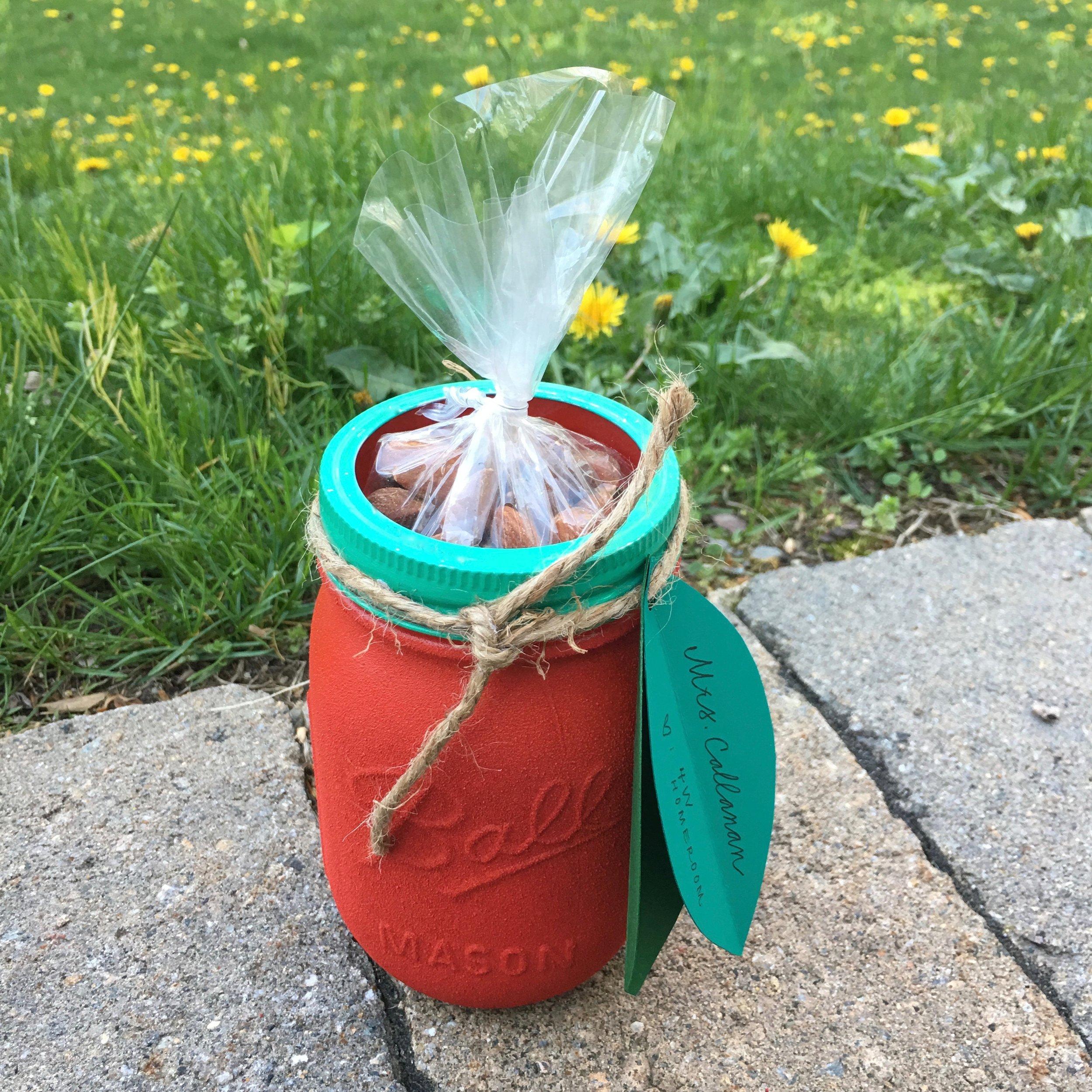 APPLE MASON JAR, FILLED WITH TREATS
