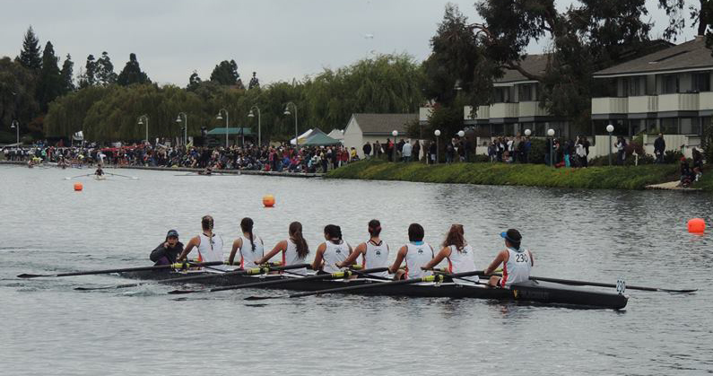 Novice Girl's 8+ competing at the 2015 Head of the Lagoon.