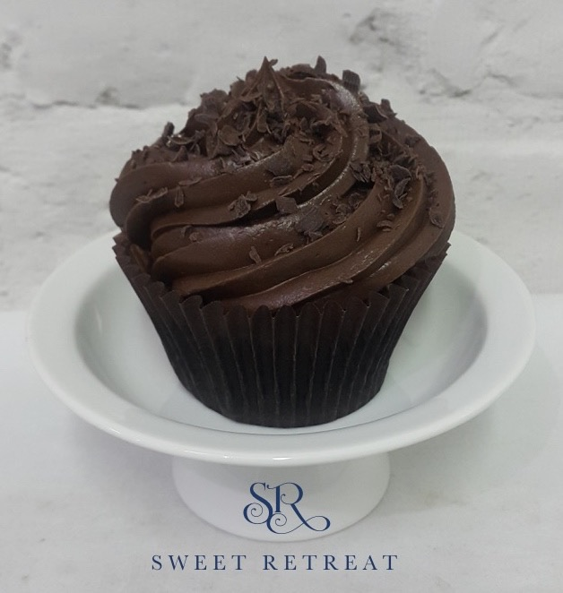 14. Chocolate Cupcake with Chocolate Buttercream - 90 baht