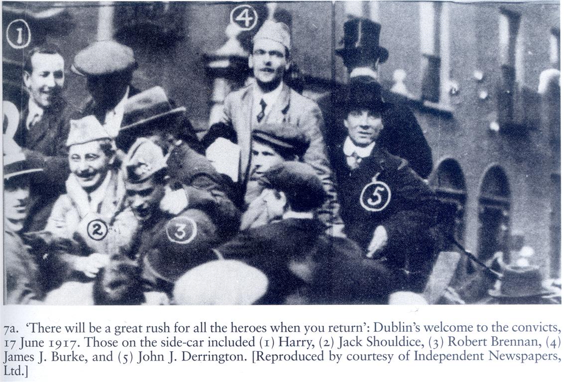 Jack and his fellow Volunteersreturn to Dublin aftertheirreleaseinJune,1917.