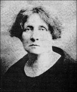 Portrait of Helena Moloney.