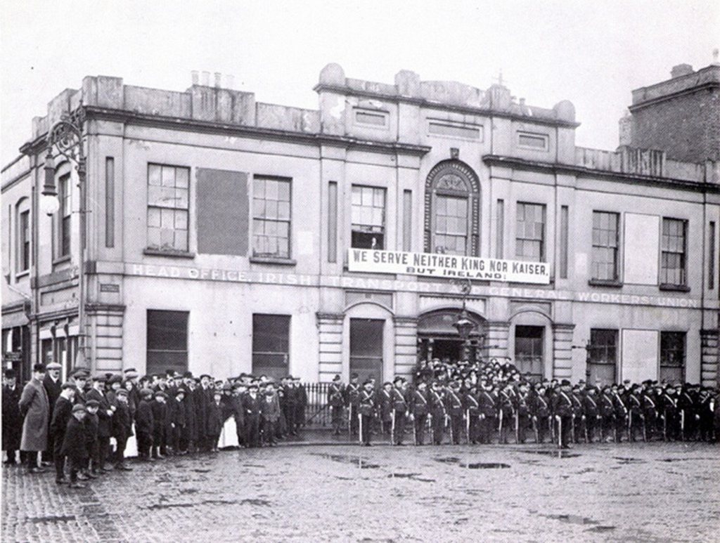 ICA members outside Liberty Hall in 1914