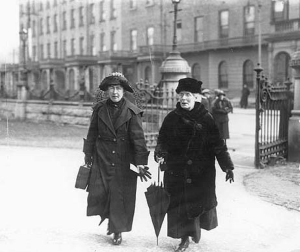 Hanna Sheehy Skeffington and Margaret Pearse, mother of Padraig Pearse
