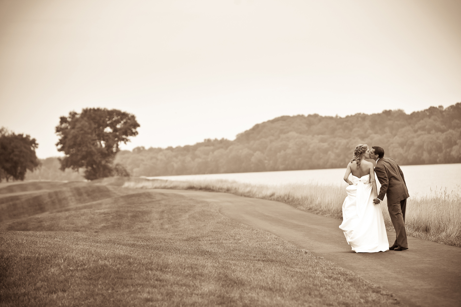 1404_1professional_wedding_photographer_virginia.jpg