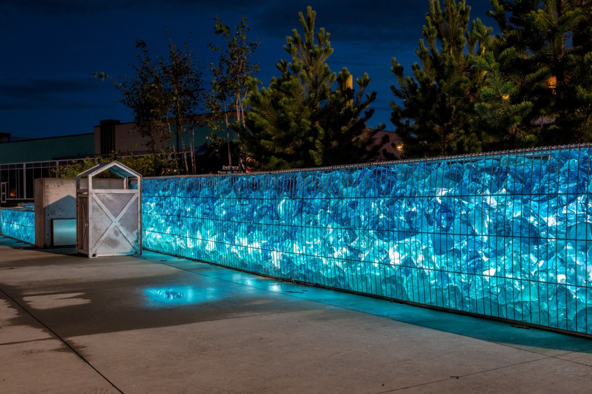 Gabion benches and walls using Omega ii fencing panels