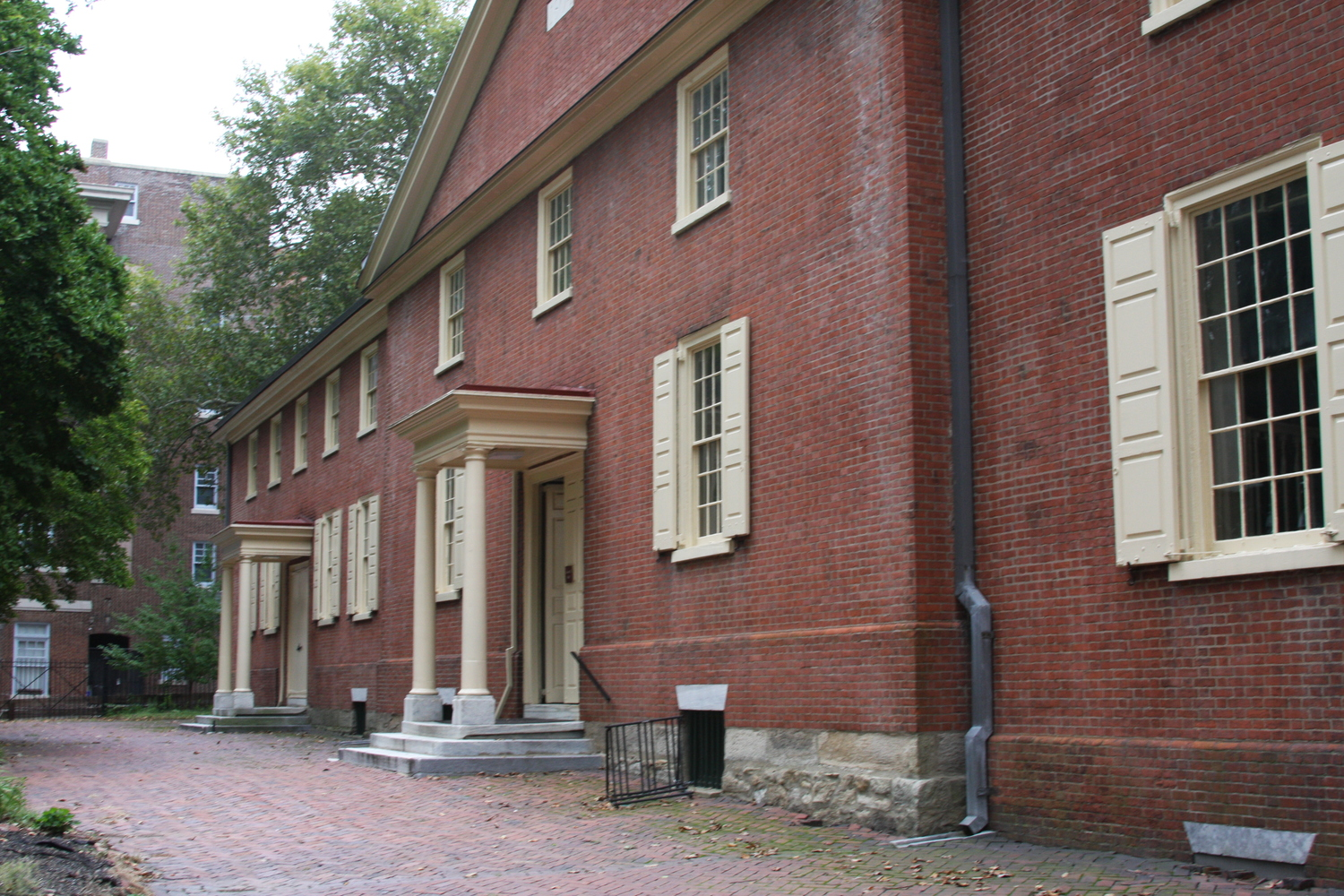 The Arch Street Quaker Meeting House