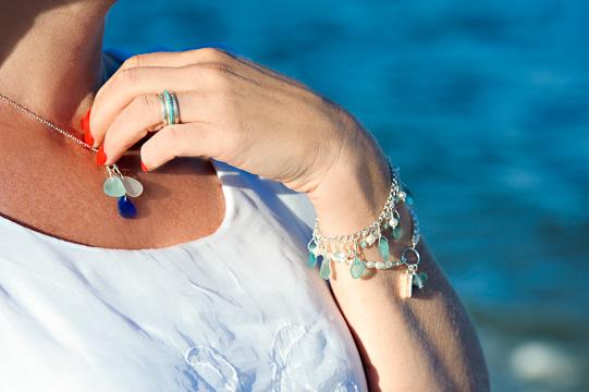 https://www.coastalcharmsseaglassjewelry.com