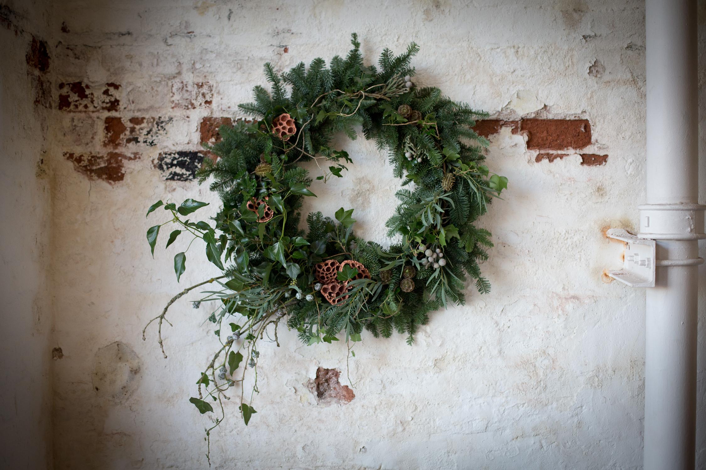 Wreath foraging-17.jpg