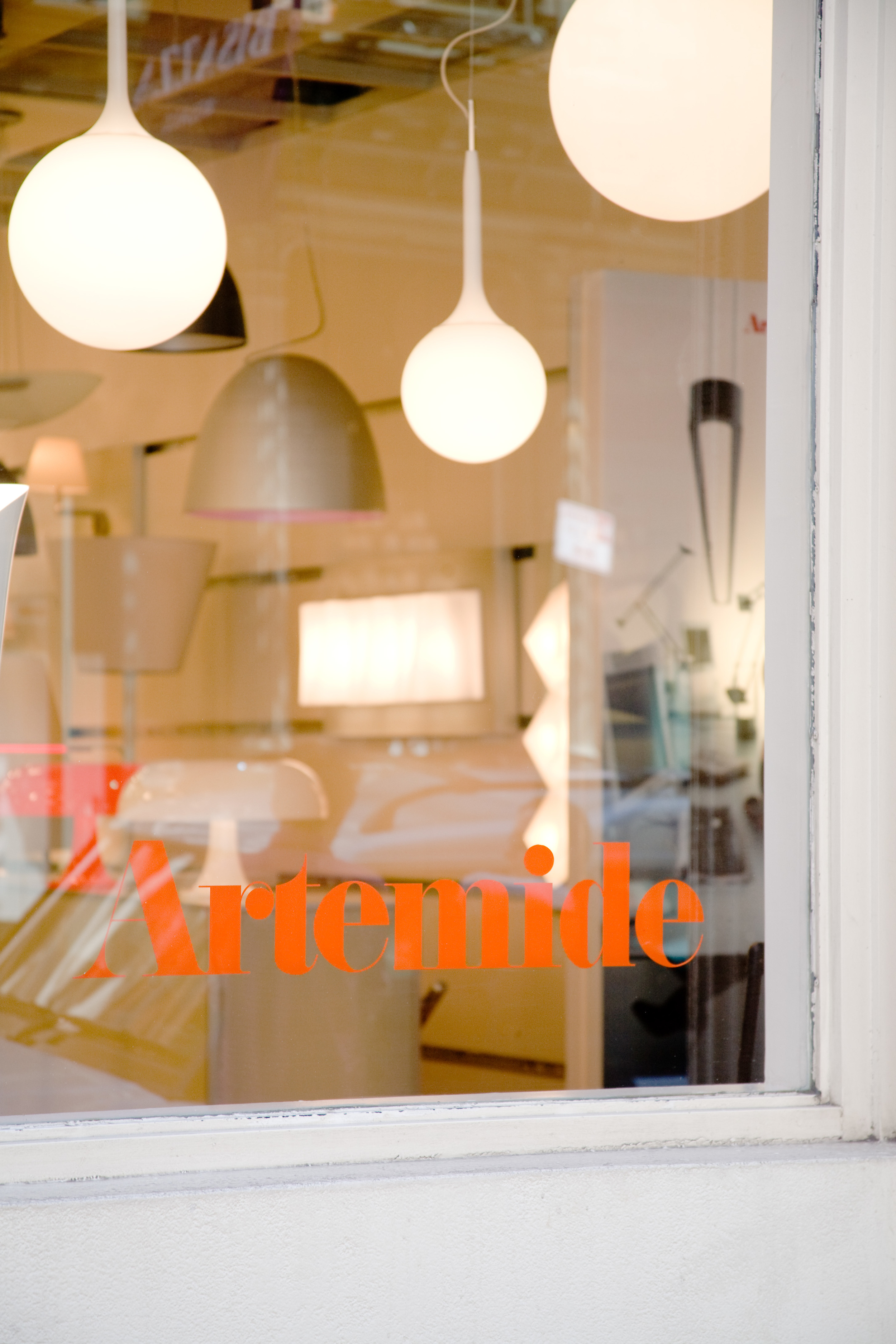 Atremide, Window Display