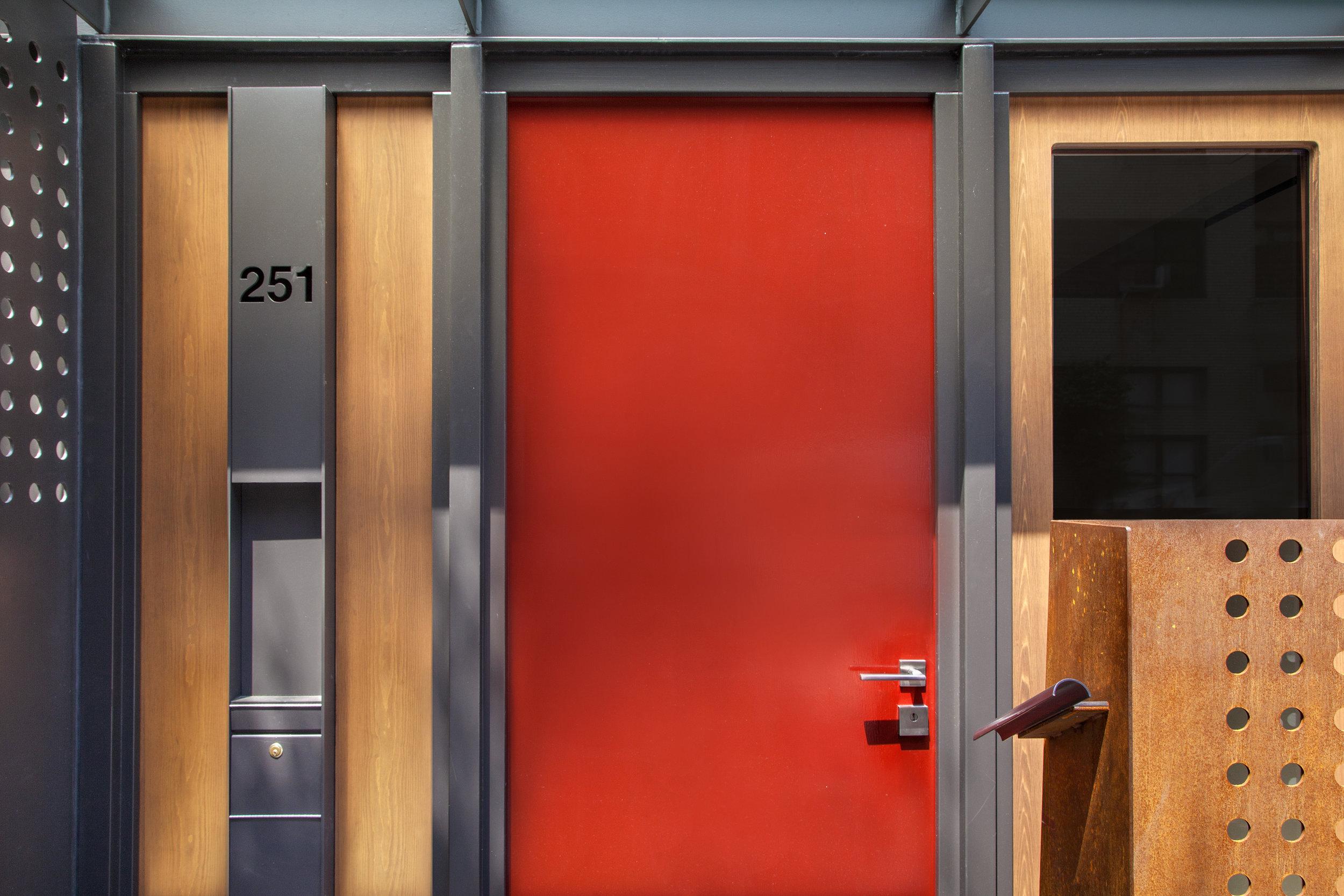 251E61_TH_doorwayA.jpg