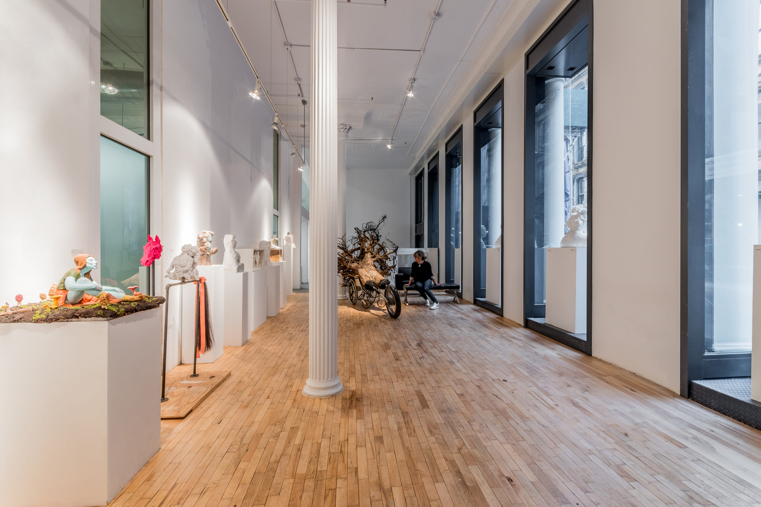 12 New York Academy of Art_new storefront interior_photo Winston Wolf.jpg