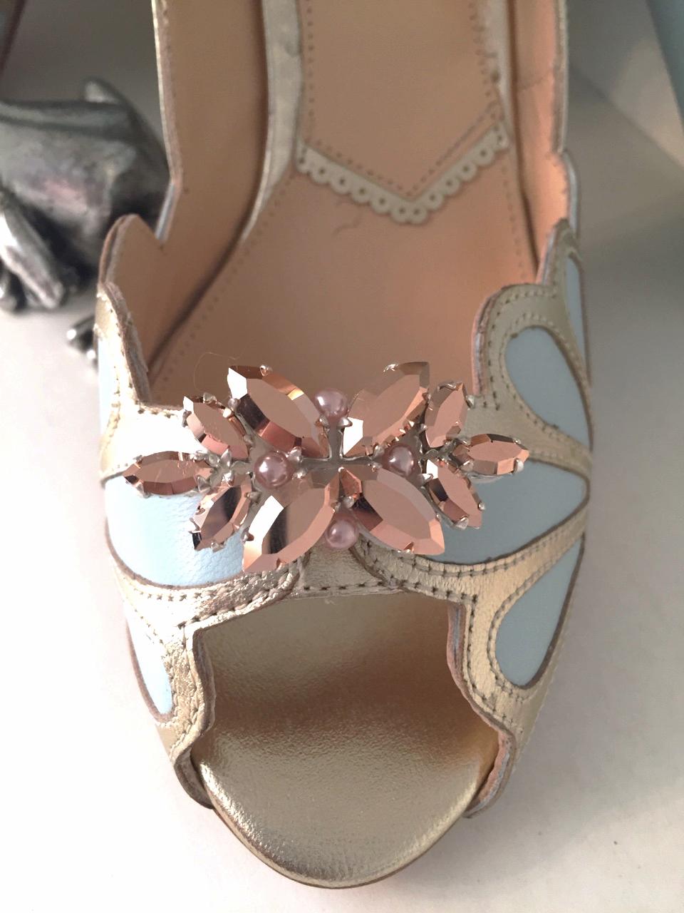 shoe clip by rachel simpson