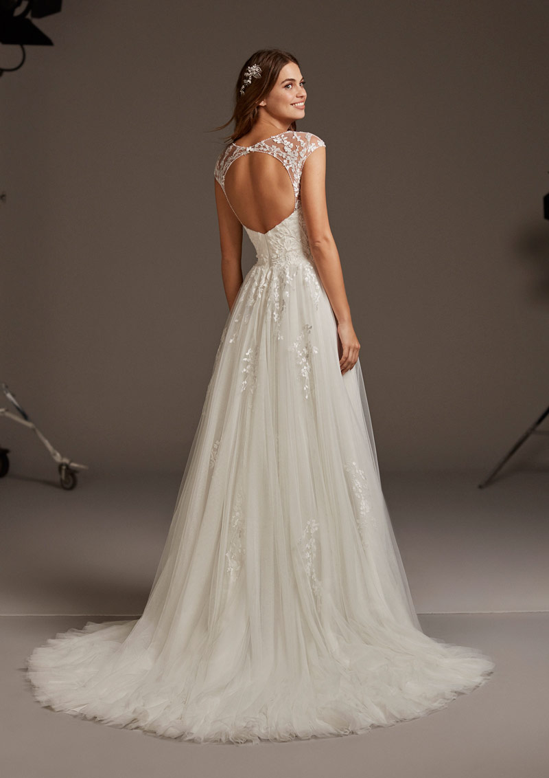 Venua by Pronovias