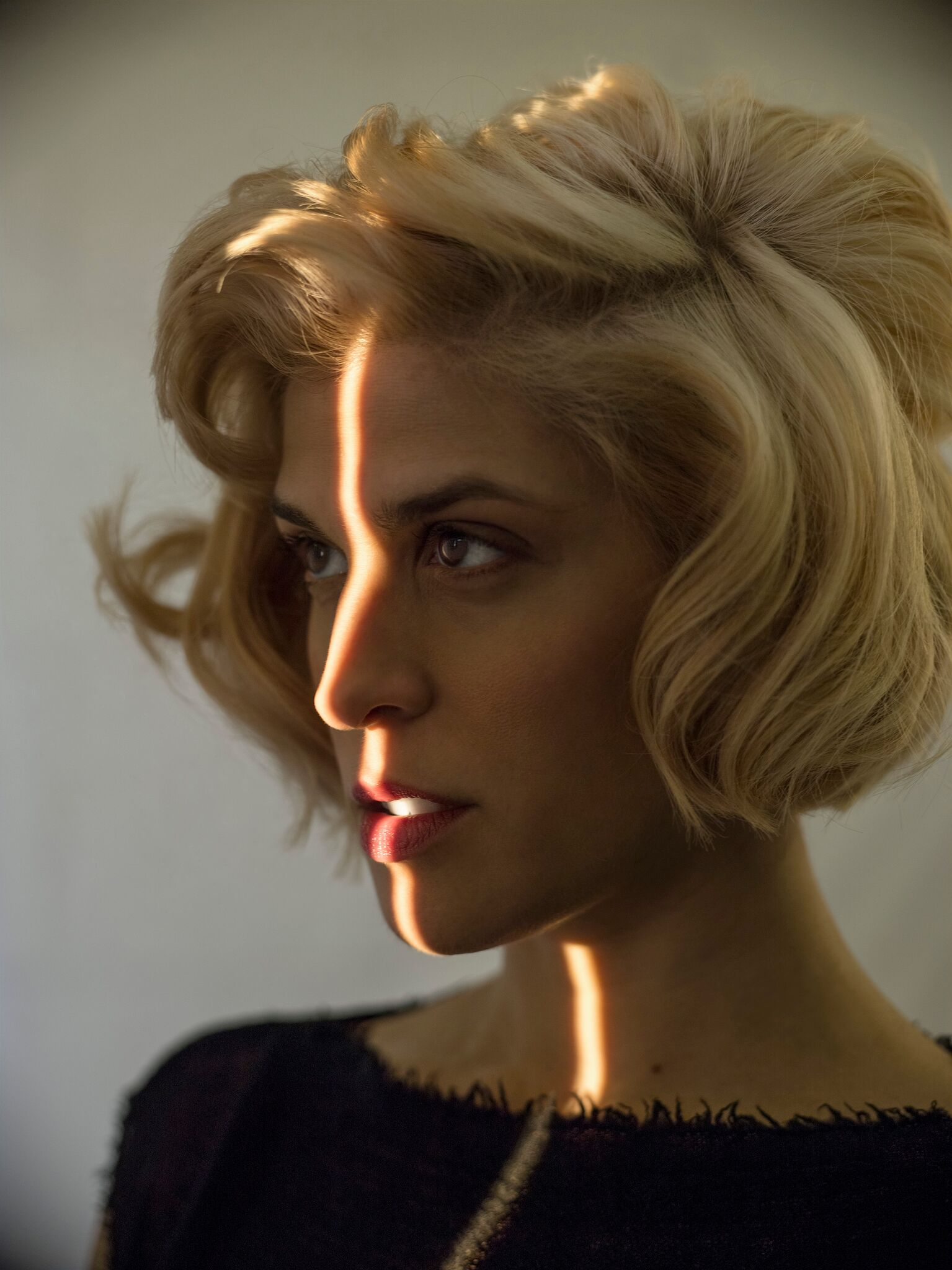 Dessa Chime Press Shot 1 - photo credit Bill Phelps_preview (1).jpeg