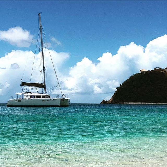 Explore the BVI aboard Cool Change. A different island every day. Beautiful water, gentle breezes and breathtaking sunsets. #sailing #sailingbvi #bvi #bvisailing #yacht #yachtlife #islands #beaches #bvibeaches #family #friends #bareboat #yachtcharter #yachtcaptain #coolchangelife