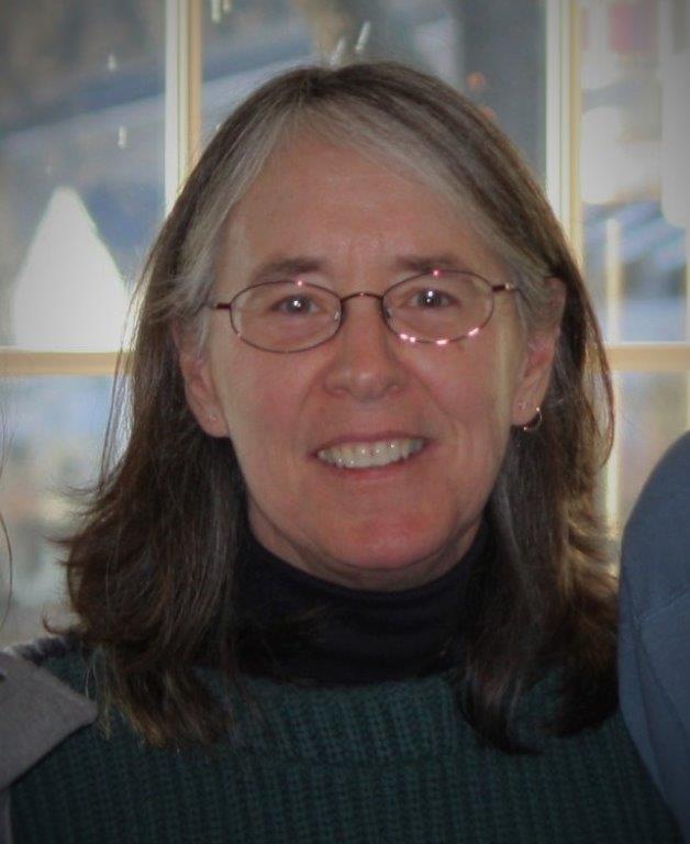 Paula headshot.jpg