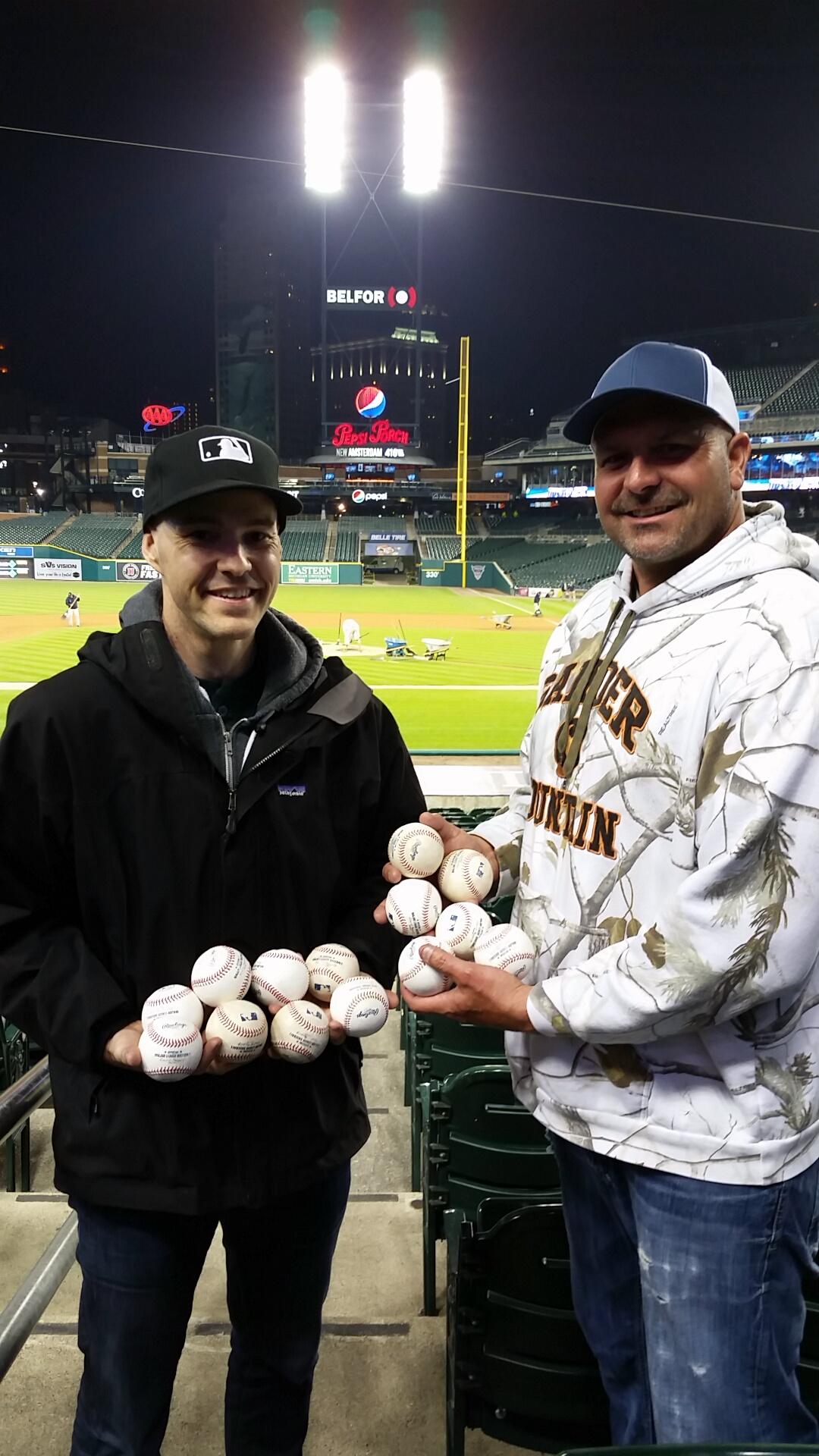 86_zack_and_bill_with_baseballs_final_tally_ten_to_six.JPG