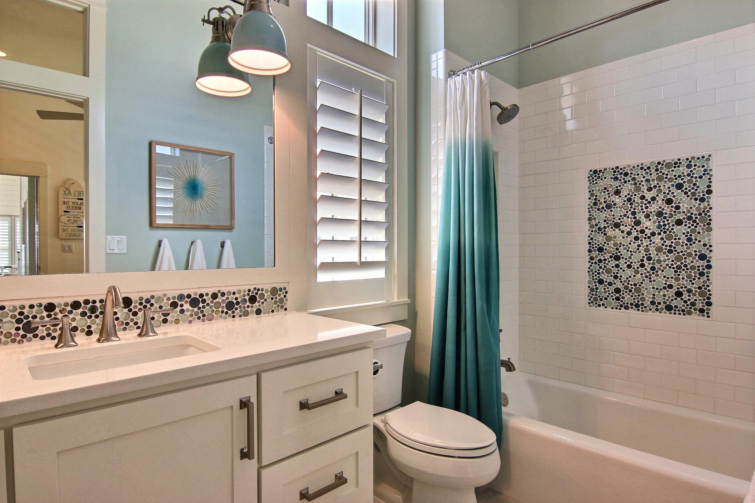 Second Bathroom 2.jpg