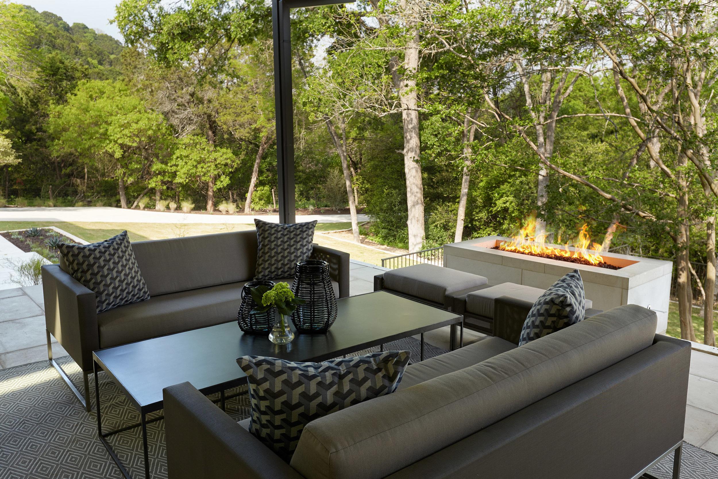 Wild Basin Pool Lounge