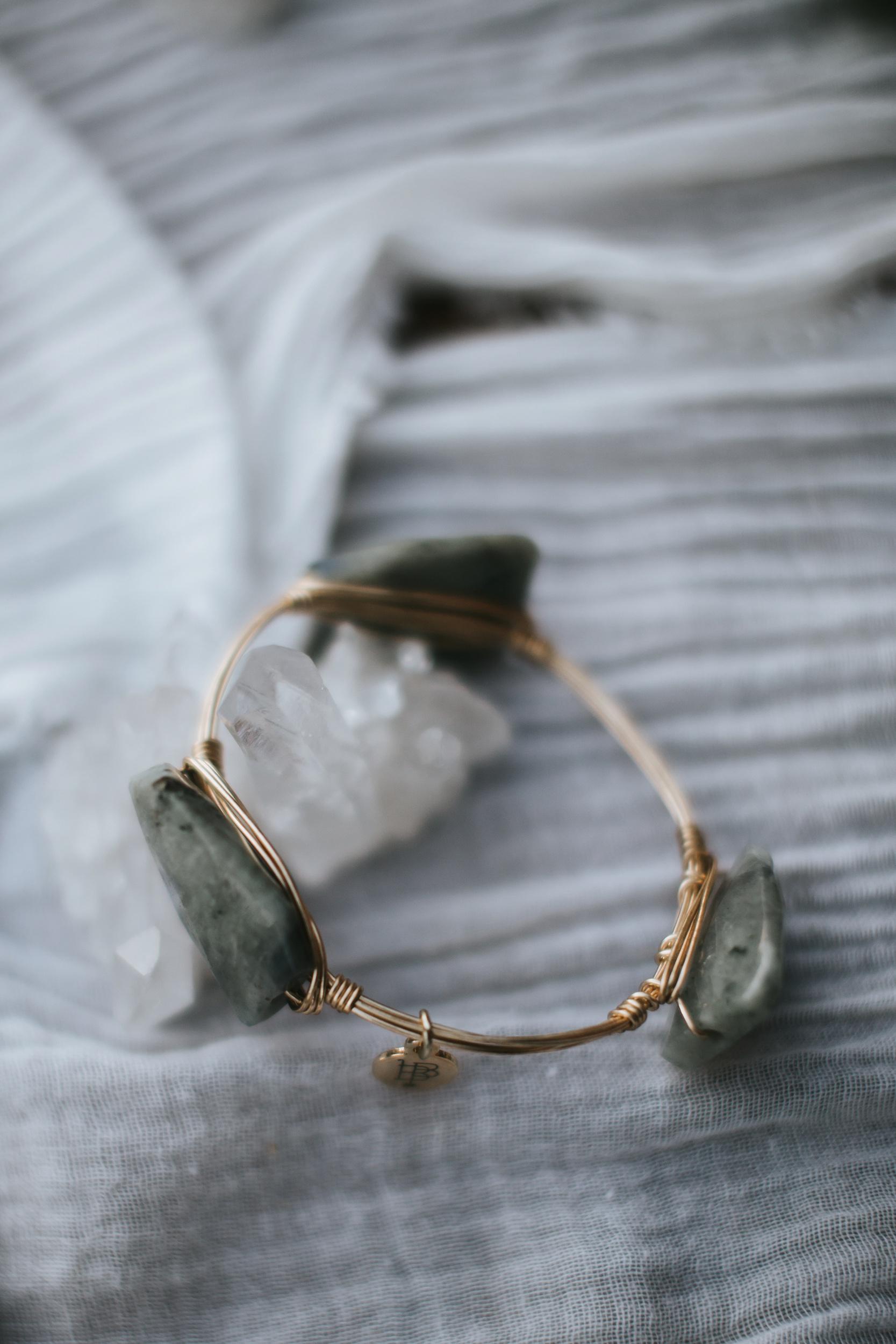 unique rock wedding jewelry