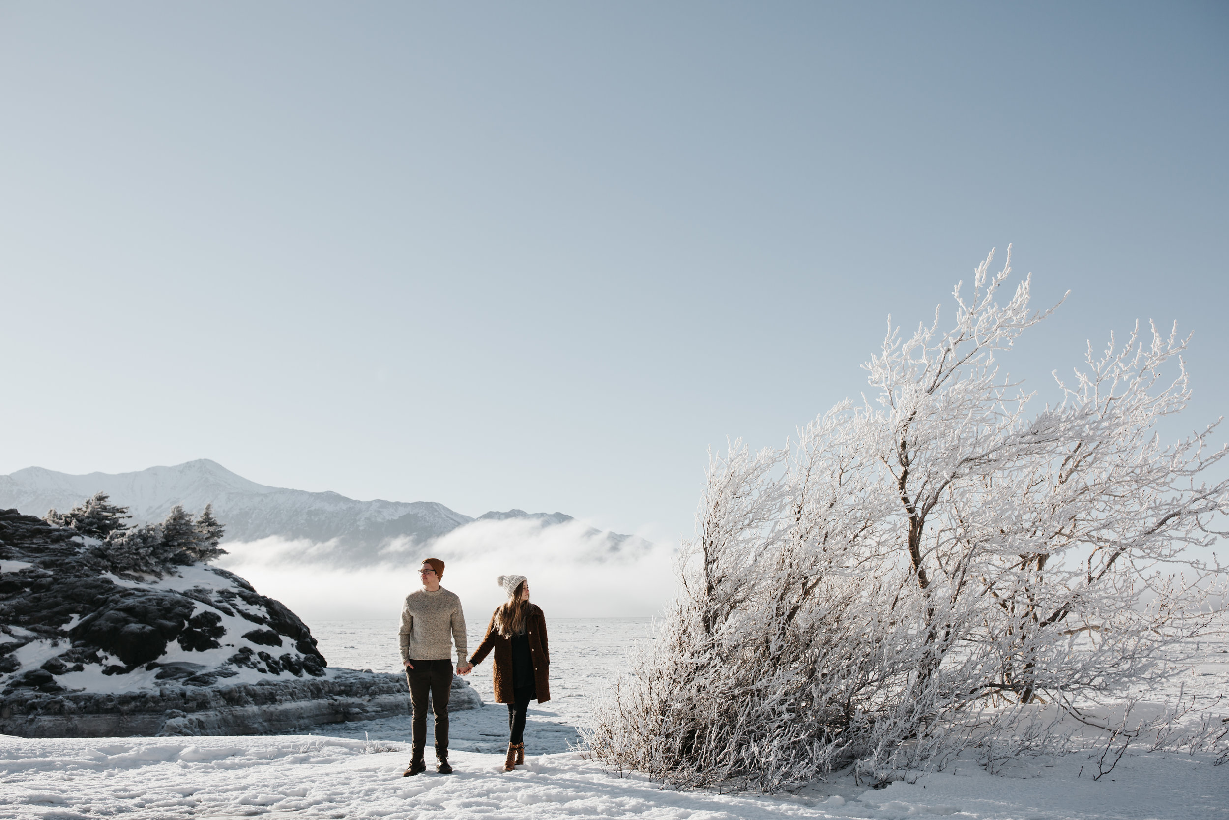 engagement photo photographer in alaska