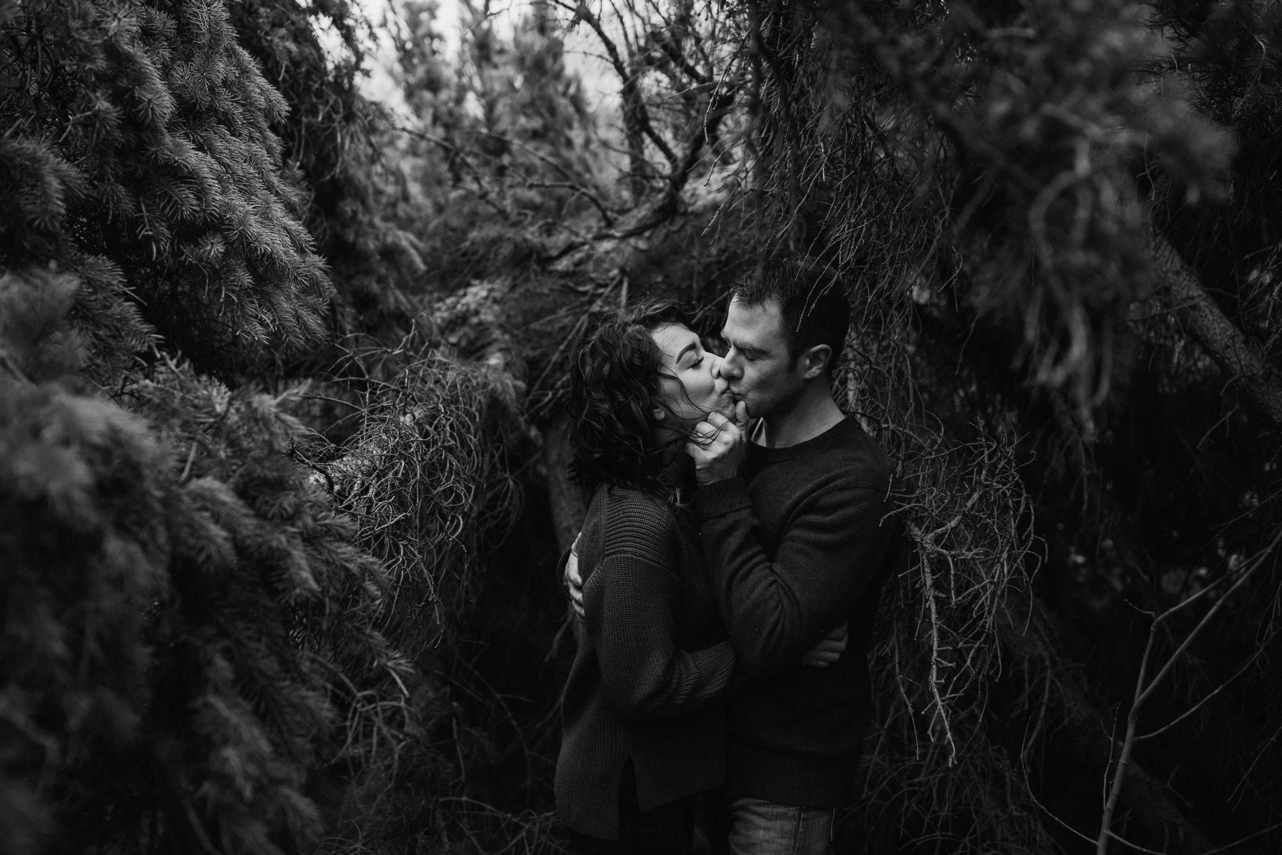 engagement photo photographer