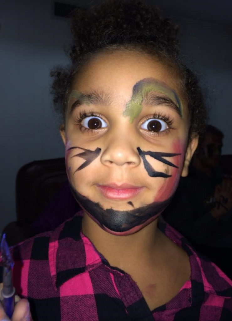 Lillianahdiscoveredher innerartist whenGigi gave her a face painting kit for Christmas.