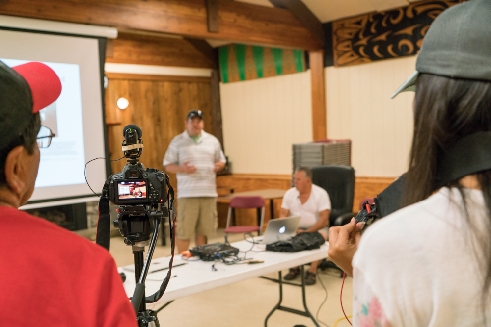 Community media training with intergenerational members of the W̱SÁNEĆ and Tsilhqot'in communities in British Colombia, Canada.