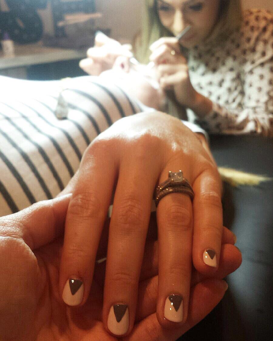 Nail art mani and lash extensions