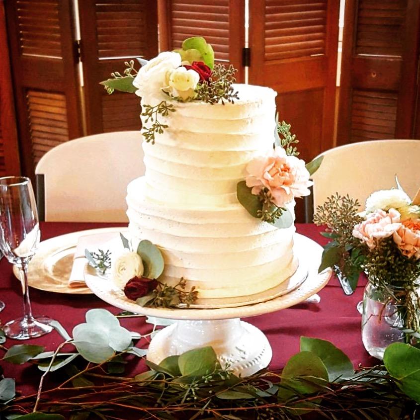 Wedding2tierThanksgivTable.JPG