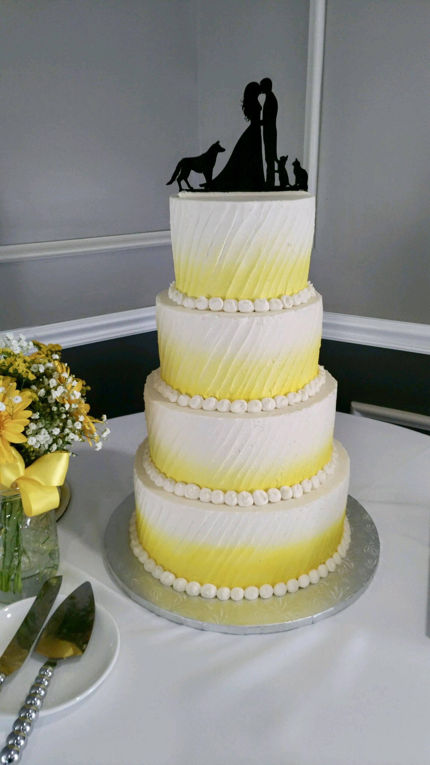 Wedding4tieryellowSpray.JPG