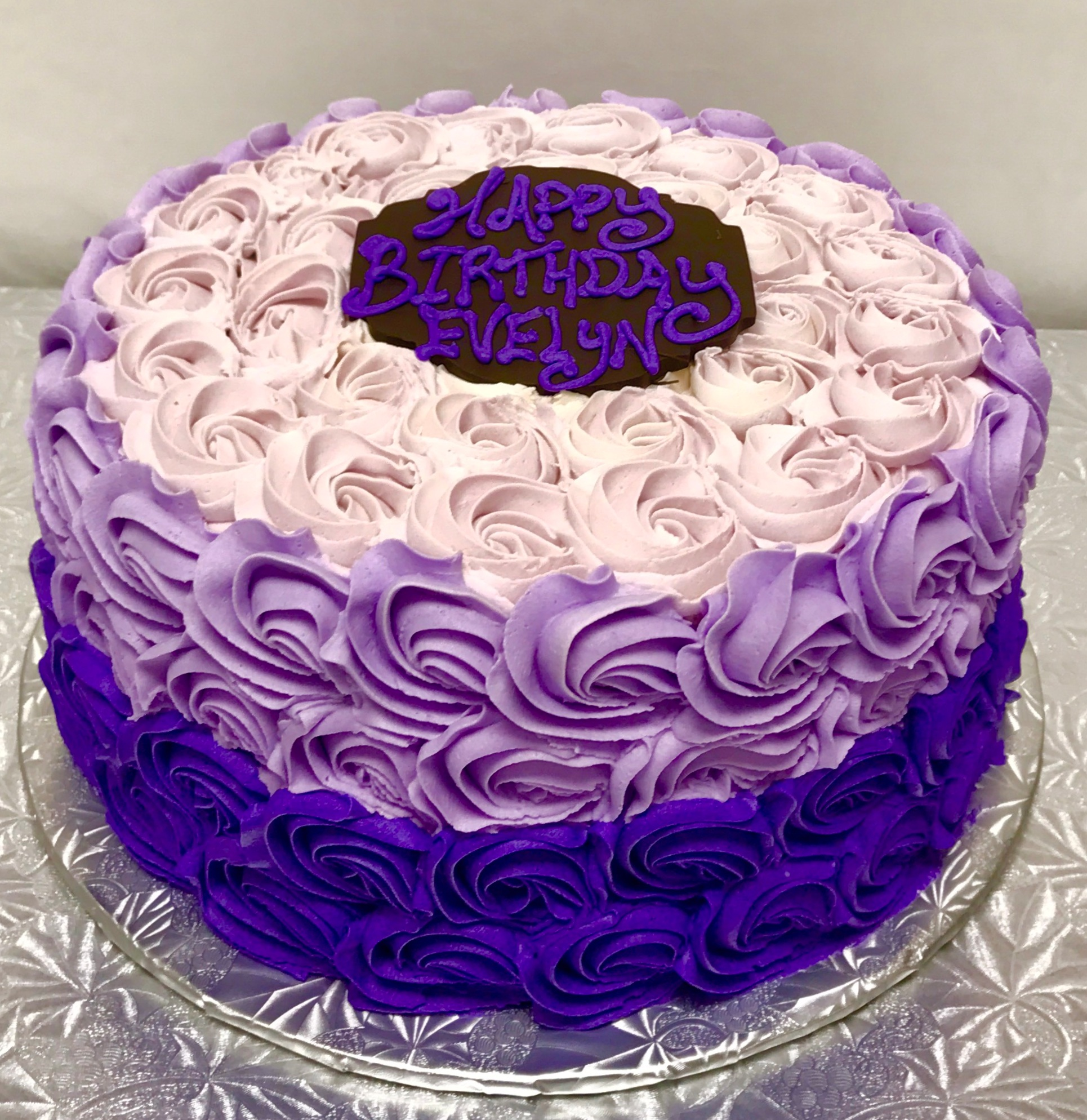 "- 6"" cake serves 8 - 12 people ($30)8"" cake serves 14 - 20 people ($45)10"" cake serves 22 - 30 people ($59)12"" cake serves 34 - 50 people ($80)14"" cake serves 50 - 75 people ($110)"