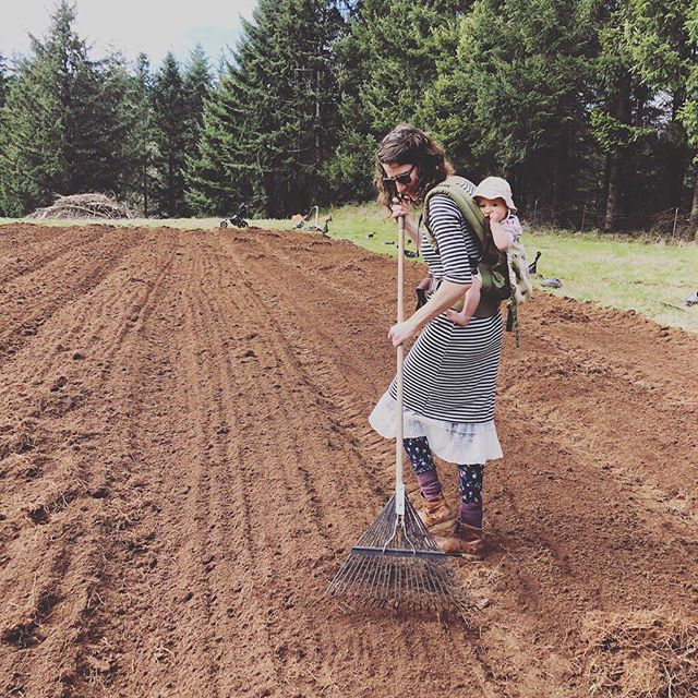 Here Farmer Jordan and baby Juniper are getting a good start on their first season at @oldemoonfarm! Follow along with their new account! Farmers Jordan and Jay of @oldemoonfarm recently moved to Silverton, Oregon to follow their farming dreams. Jordan Uth was an integral part of getting our North Bay Flower Collective started and blooming and we want to wish them lots of support. We will miss her; her organization skills, her all-around general love of plants + plant knowledge, and her beautiful fields of flowers, but our group is sending them lots of love and good growing juju!