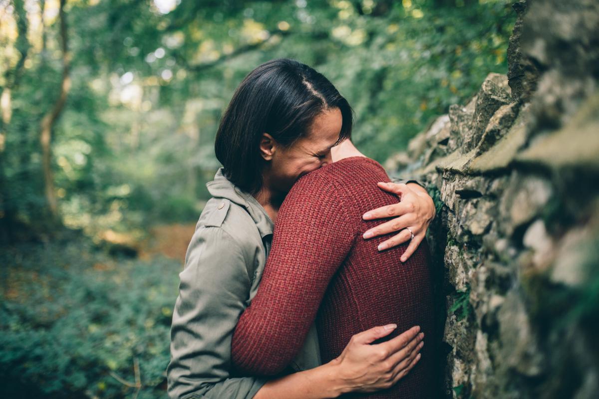 Faye + mark Leigh Woods Preshoot Web NaomiJanePhotography-10.jpg