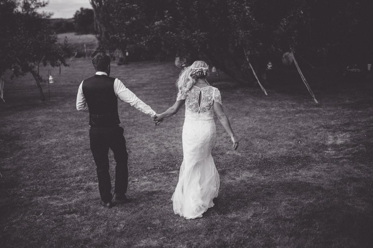 ANNA + SIMON BACK GARDEN RUSTIC WEDDING LOW-498.jpg