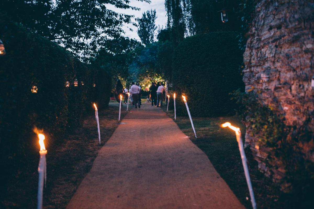 ANNA + SIMON BACK GARDEN RUSTIC WEDDING LOW-713.jpg