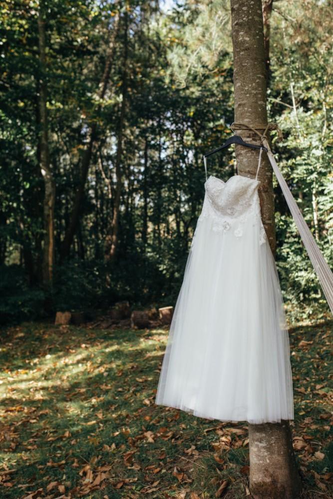Joe+Lauren Intimate Woodland Handfasting - Naomijanephotography 32.jpg