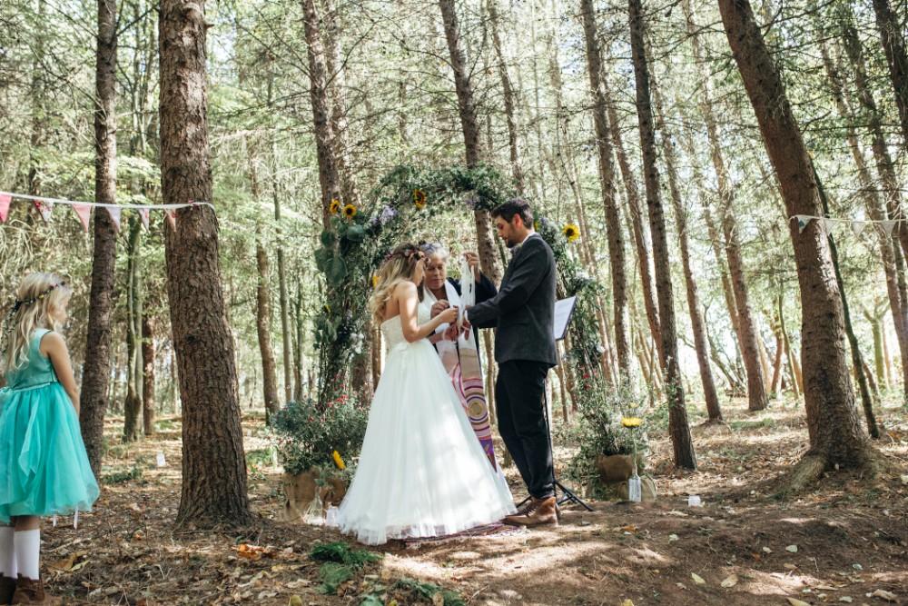 Joe+Lauren Intimate Woodland Handfasting - Naomijanephotography 54.jpg