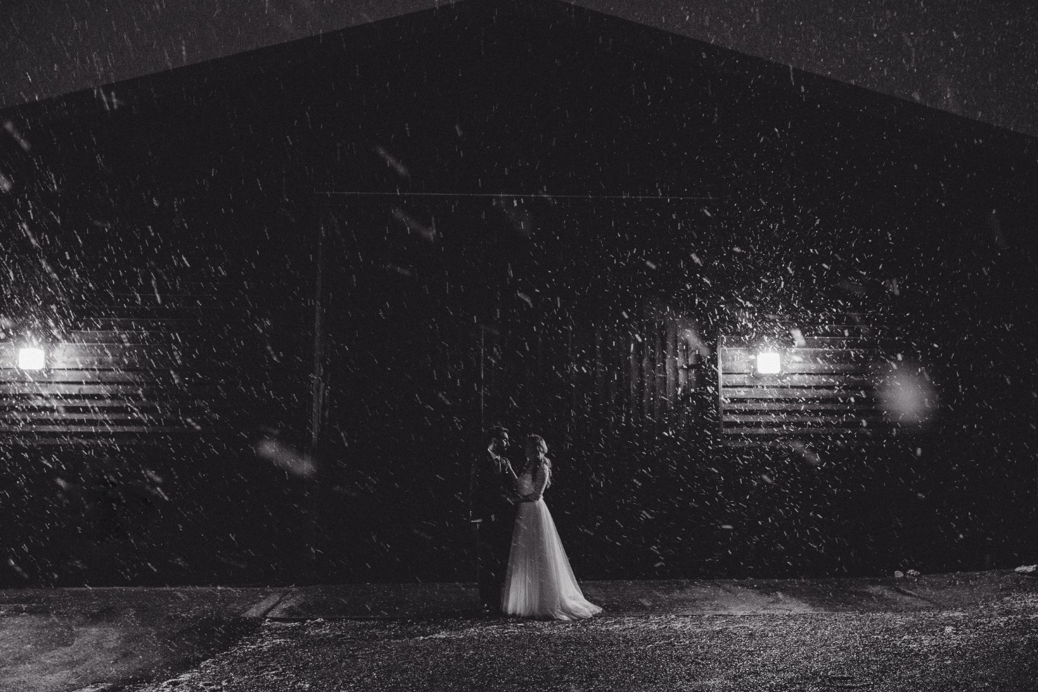 Liz + Dave Tewin Bury Farm Winter Wedding Naomijanephotography516.jpg